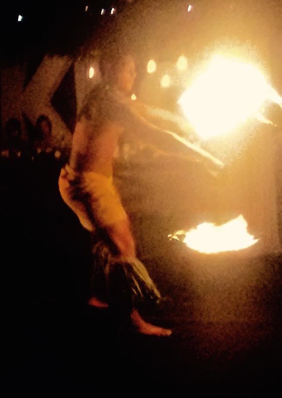 Samoan Fireknife Dancers (1)